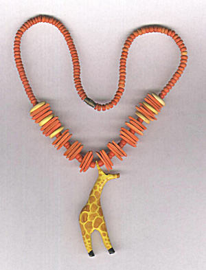 WOODEN GIRAFFE NECKLACE (Image1)