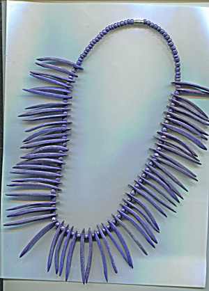 WOODEN NAVY BLUE SPIKE NECKLACE (Image1)