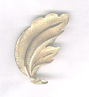 B.S.K. 2 LEAF GOLDTONE PIN (Image1)