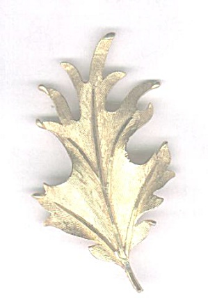 B.S.K. OAK LEAF GOLDTONE PIN (Image1)