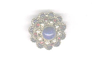 AUSTRIA RED, WHITE & BLUE DOMED PIN (Image1)