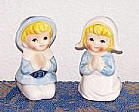 PILGRIM BOY & GIRL SALT & PEPPER SHAKERS (Image1)