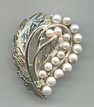 Gold Tone Pin With Faux Pearls