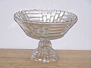 MOLDED CLEAR GLASS PATTERN COMPOTE (Image1)