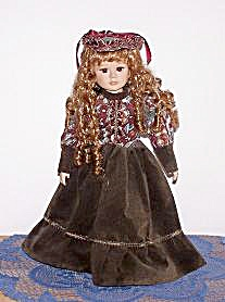 DOLL IN GREEN PRINT VELVETEEN (Image1)
