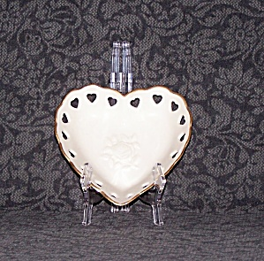 LENOX HEART SHAPED DISH (Image1)