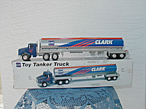 CLARK LIMITED EDITION TOY TANKER TRUCK (Image1)
