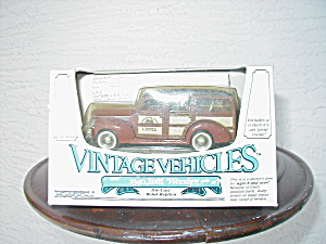 1940 FORD WOODY, VINTAGE VEHICLES BY ERTL (Image1)