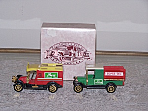 COLLECTOR�S SET OF 2 CLASSIC TRUCKS (Image1)