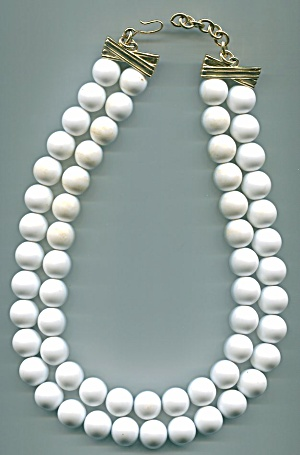 MONET WHITE BEADS NECKLACE (Image1)