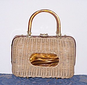 BRITISH HONG KONG LUCITE & WICKER HANDBAG (Image1)