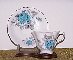 QUEEN ANNE CUP & SAUCER, BLUE FLOWERS (Image1)