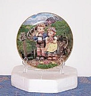 COUNTRY CROSSROADS, HUMMEL COLLECTOR PLATE (Image1)