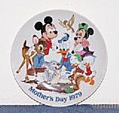 WALT DISNEY MOTHER'S DAY 1979 PLATE (Image1)
