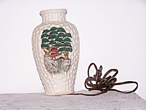 ORIENTAL  HONEY COMB LAMP (Image1)