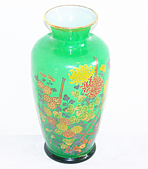 NORLEANS CASED GLASS GREEN VASE (Image1)