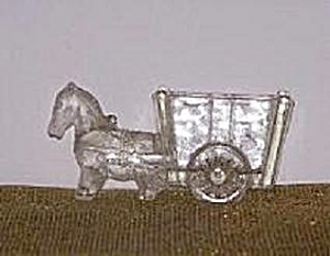 GLASS HORSE & CART CANDY CONTAINER (Image1)