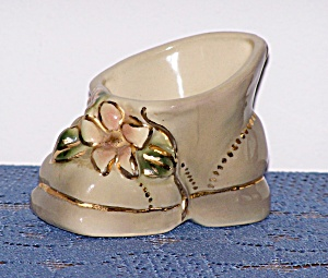 TAN LUSTRE BABY SHOE PLANTER (Image1)