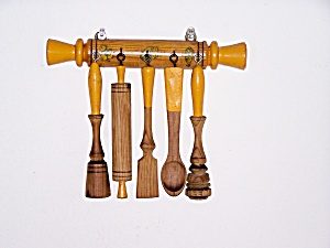 WOODEN KITCHEN UTENSILS WALL HANGER (Image1)