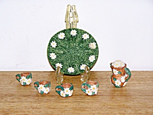 CHILD�S GREEN & WHITE RESIN TEA SET (Image1)