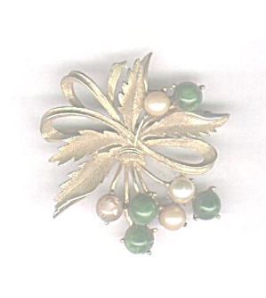 Sarah Coventry Green & White Pearl Pin