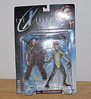 ATTACK ALIEN (With Primitive Man)-THE X FILES (Image1)
