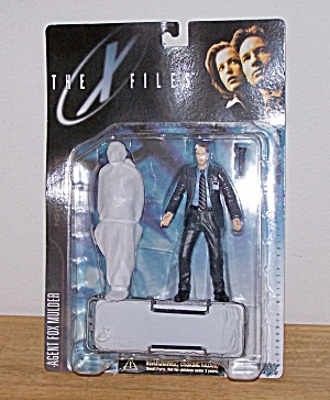 Agent Fox Mulder (Suit With Corpse)-the X Files