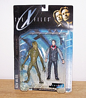 AGENT MULDER (& Alien)-THE X FILES (Image1)