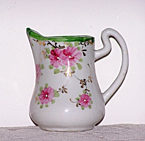 CREAMER W/PINK FLOWERS (Image1)