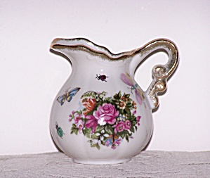 CREAMER W/PINK & RED FLOWERS (Image1)