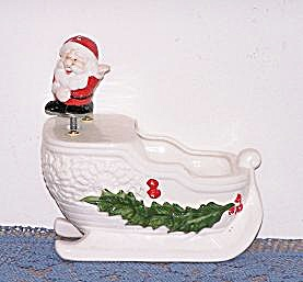 SANTA ON SLEIGH MUSIC BOX PLANTER (Image1)
