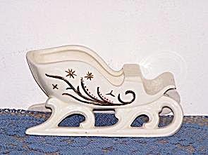 WHITE SLEIGH PLANTER (Image1)
