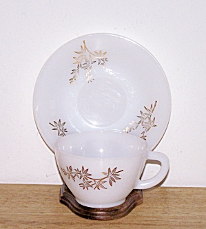 GOLDEN GLORY CUP & SAUCER (Image1)