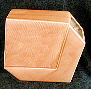 SALMON COLORED DECO STYLED VASE (Image1)