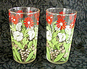PAIR OF SWANKY SWIG GLASSES (Image1)