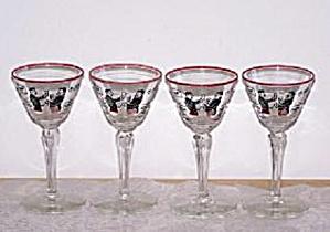 4 COCKTAIL GLASSES, MEN TOASTING AT BAR (Image1)