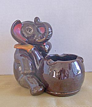 BROWN GLAZED ELEPHANT PIPE ASH TRAY (Image1)