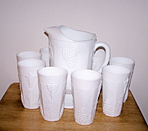 HARVEST MILK GLASS ICED TEA PITCHER & 8 GLASSES (Image1)