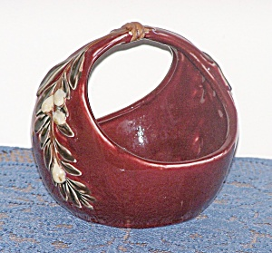 BURGUNDY POTTERY BASKET (Image1)