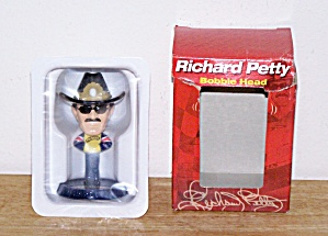 RICHARD PETTY BOBBLE HEAD DOLL (Image1)