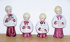 4 CERAMIC CHOIR BOYS (Image1)
