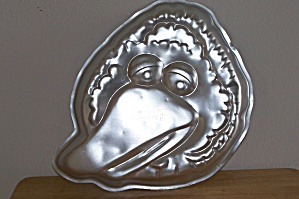Wilton Big Bird's Head Cake Pan (Image1)