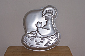 Wilton Big Bird in Nest Cake Pan (Image1)