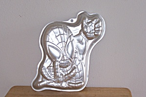 Wilton Spiderman Cake Pan (Image1)