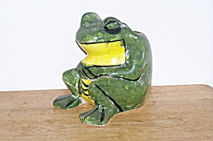 LARGE SITTING FROG PLANTER (Image1)