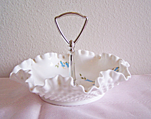 HOB NAIL MILK GLASS CHROME HANDLED CANDY DISH (Image1)