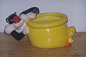 Tweety & Sylvester Bowl