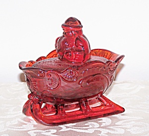 RED GLASS SLEIGH WITH SANTA TOP (Image1)