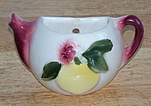 SHAWNEE APPLE DECORATED TEA POT WALL POCKET (Image1)