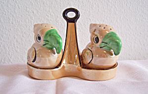 LUSTRE TOUCAN SALT & PEPPER SHAKERS IN HOLDER (Image1)